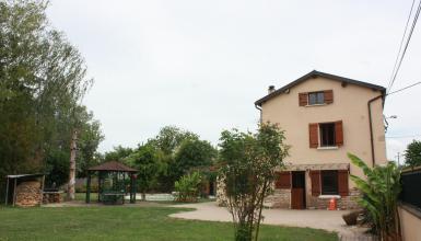 Maison 8 pièces 230 m2, 2100m2 terrain, piscine