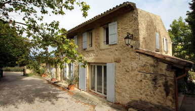 Belle maison en pierre rénovée