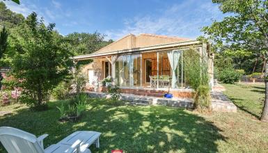 Villa 4 pièces  3 ch. 102 m² terrain 865 m²