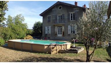 Maison de caractère à rénover à Albigny proche de Lyon