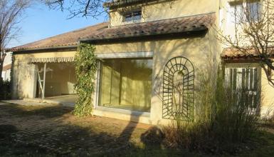 Vouneuil sur Vienne-MAISON de 273 M² avec 5 chambres