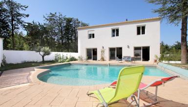 Superbe villa RT2012 avec piscine