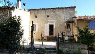 Maison de village avec grande terrasse